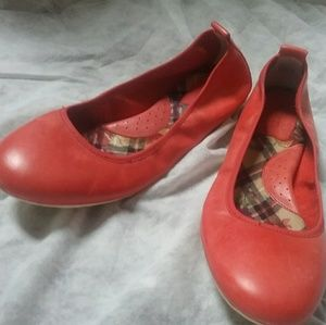 Born Tami Papavero Coral Leather Ballet Flats NEW